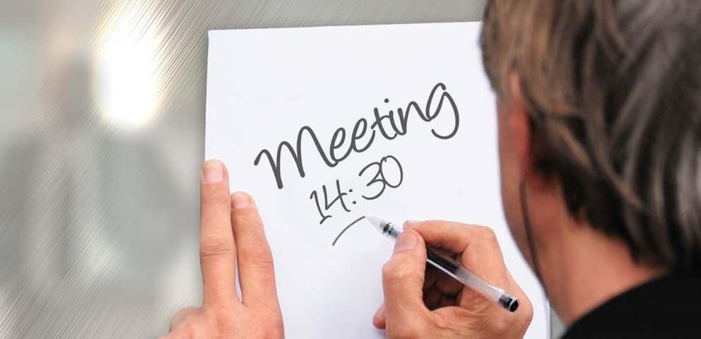 Système de réservation MeetingRoomApp : 5 raisons pourquoi numériser les salles de réunion